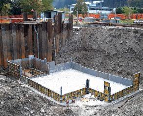 Betoniranje plošče za bazen grenic in kanal grabelj - 20.10.2020